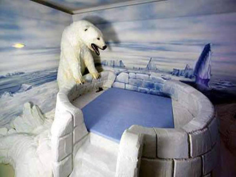 Igloo and polar bear at Big Sister Club, make your fantasy reality