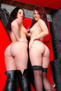 Two lesbos with nice asses