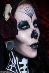 Halloween girl Razor Candy close up