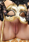 carneval pussy with fancy mask