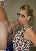 Watch this hot mom