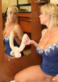 Sticky steamy mirror action with hot milf