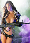 laserlight fotos actiongirl with gun