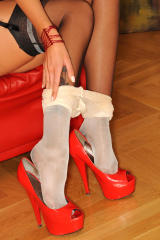 Girls with HIGH HEELS, free fotosets for your pleasure.
